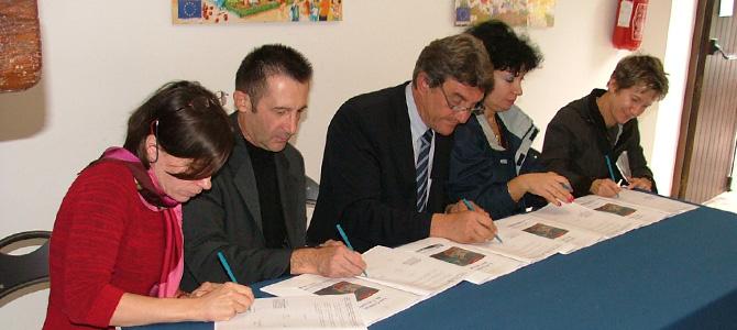 Signature de la charte « Objectif Qualité » élaborée en partenariat avec le Conseil Général de l'Hérault, la Direction Régionale et départementale de la Jeunesse et des Sports et les Caisses d'Allocations Familiales de Béziers et de Montpellier